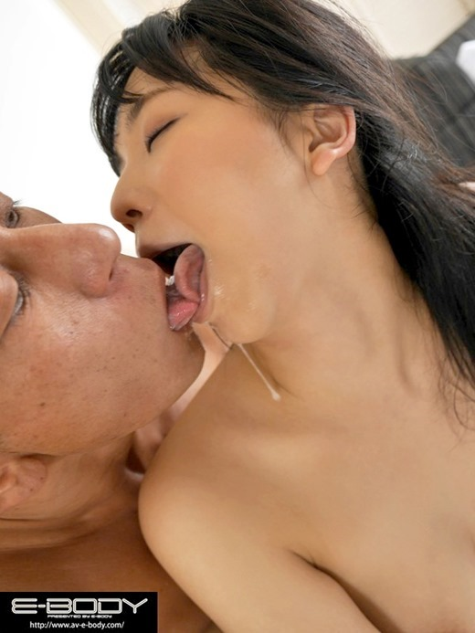 涎と唾液のエロ画像 126