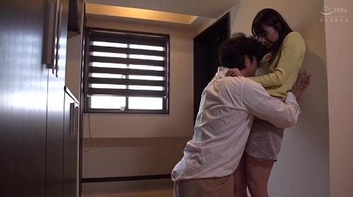 加藤あやの 引っ越し先で好みだったマンションの管理人さんと強引にSEX
