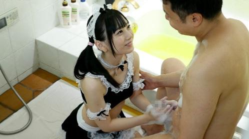 七沢みあ ロり系の可愛いメイドがご主人様に浴室でご奉仕