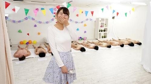 巨乳の美人女子大生がエロ企画で騎乗位10人連続中出しで200万円に挑戦