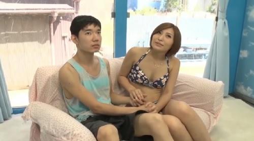 【MM号】水着を着たお姉さんが童貞男子と筆おろしエッチ