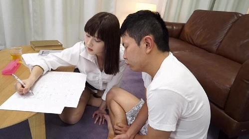 引きこもり生徒に家庭訪問した女教師が童貞生徒と筆おろしエッチ