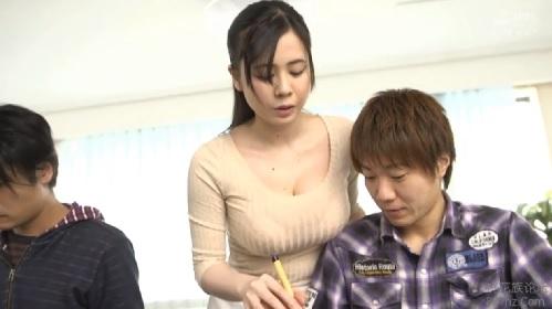吉川あいみ 書道教室で先生の巨乳おっぱいに欲情しちゃった生徒が暴走
