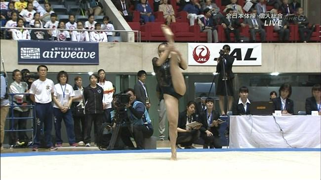 湯元さくら~全日本体操でのレオタード姿で開脚した股間からハミ出しそうで興奮!0006shikogin