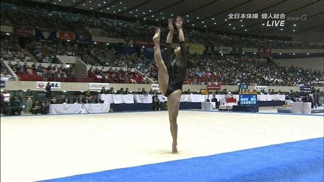 湯元さくら~全日本体操でのレオタード姿で開脚した股間からハミ出しそうで興奮!0007shikogin