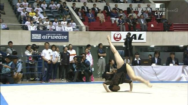 湯元さくら~全日本体操でのレオタード姿で開脚した股間からハミ出しそうで興奮!0008shikogin