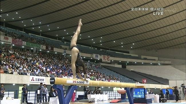 湯元さくら~全日本体操でのレオタード姿で開脚した股間からハミ出しそうで興奮!0017shikogin