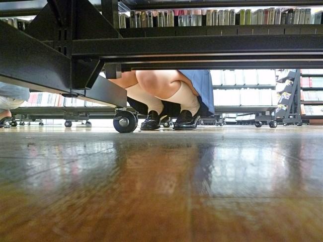 陳列棚の下を覗いたらパンチラの宝庫だった件wwwwww0002shikogin