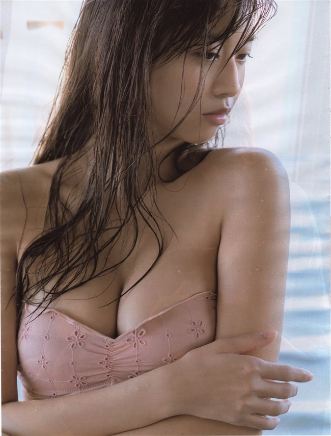 牧野真莉愛[モー娘。]~17歳から18歳になった超絶美少女の写真集水着カットを一挙に!0018shikogin