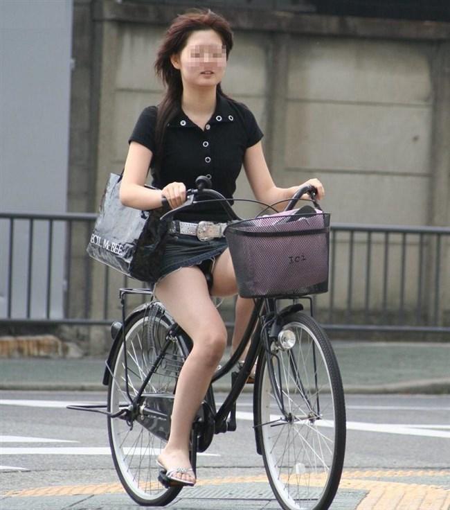 ミニスカ女子と自転車のコラボが予想通りパンチラしまくりwww0001shikogin