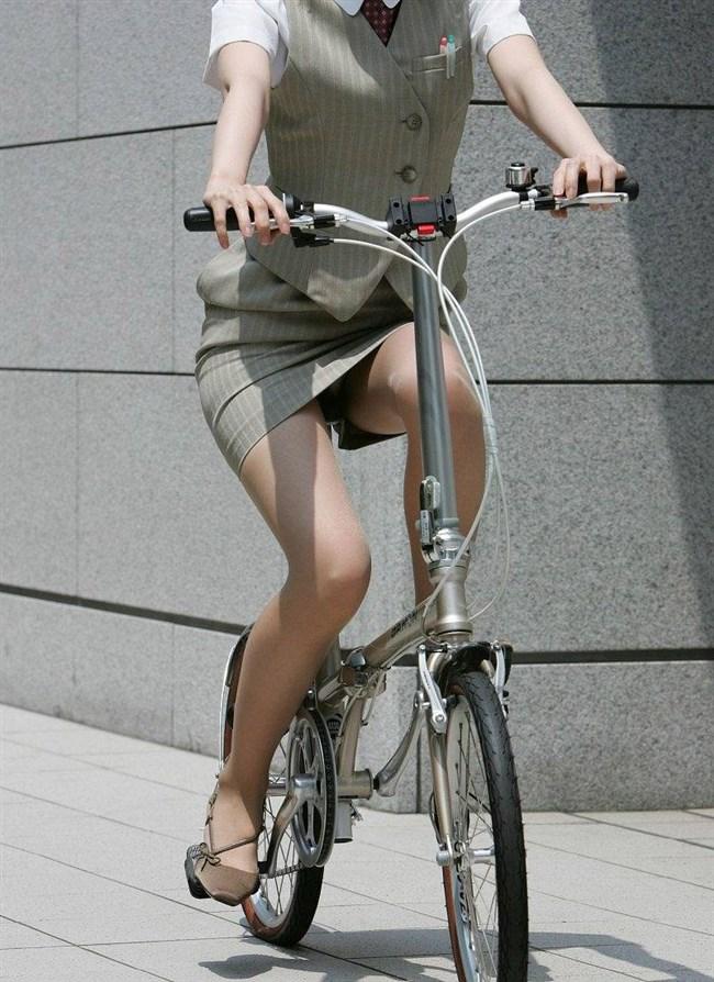 ミニスカ女子と自転車のコラボが予想通りパンチラしまくりwww0004shikogin