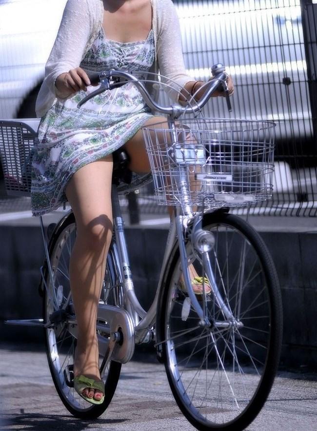ミニスカ女子と自転車のコラボが予想通りパンチラしまくりwww0005shikogin