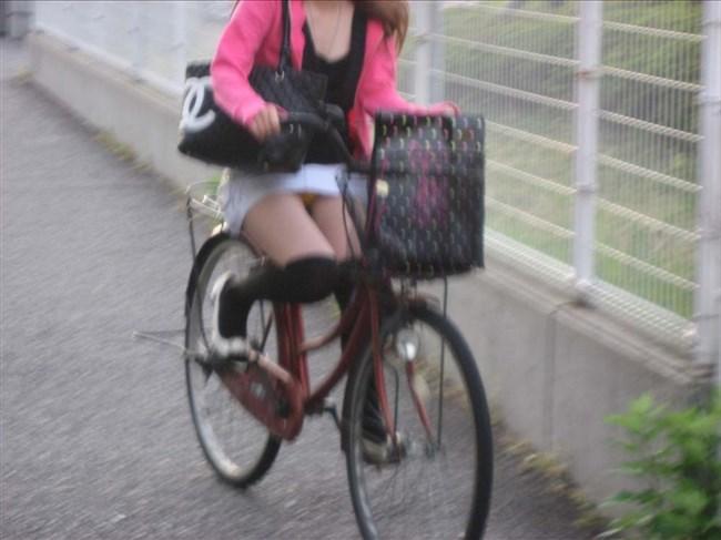 ミニスカ女子と自転車のコラボが予想通りパンチラしまくりwww0006shikogin