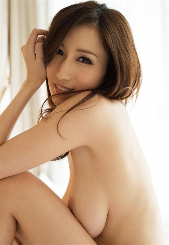横乳がそそる全裸の綺麗なお姉さん画像まとめwww0028shikogin