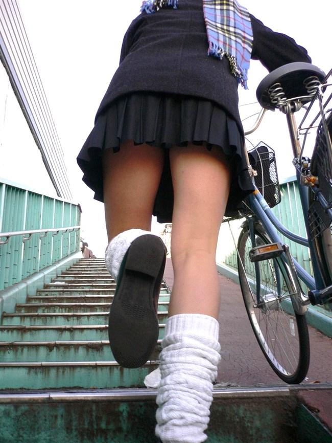 階段の斜め45°見上げたパンチラが拝める視界がこちらwwww0001shikogin