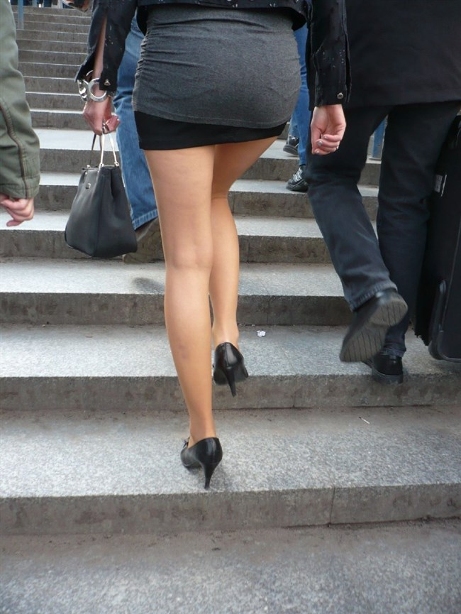 階段の斜め45°見上げたパンチラが拝める視界がこちらwwww0009shikogin