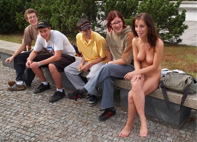がっつり街の人に見られてる露出狂全裸女子がハイレベル過ぎwwww0004shikogin