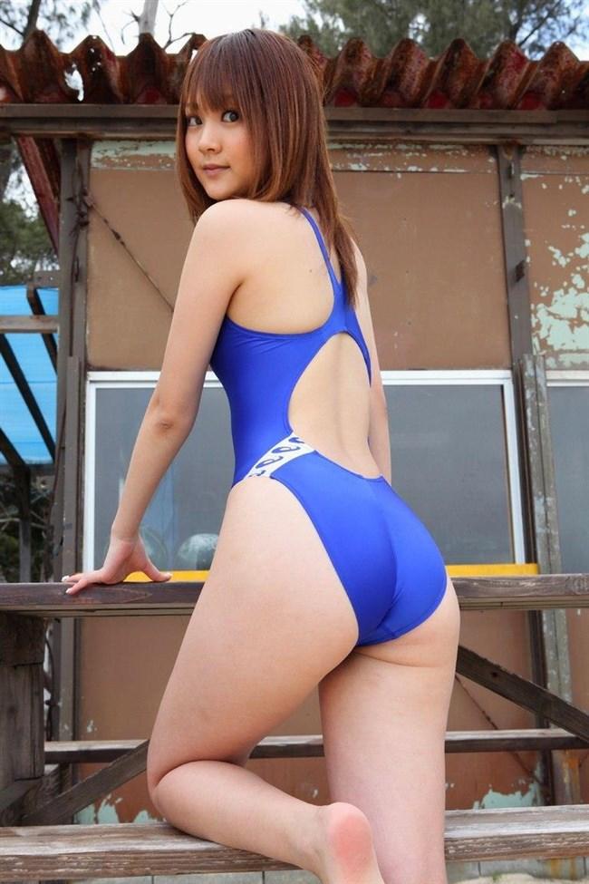 欲情が止まらない競泳水着姿のお姉さんエロ画像www0002shikogin