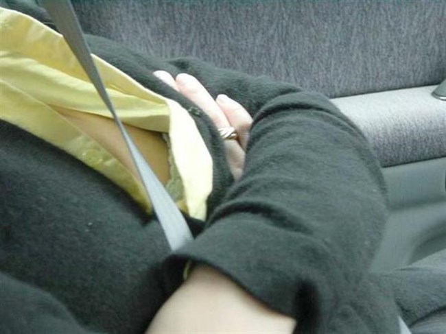 タナボタの瞬間!かがんだ女性の乳首が見えた時の幸福感wwww0001shikogin