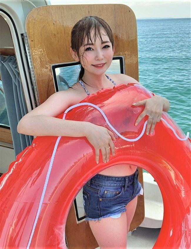 中川翔子~Twitterで大人の最新水着姿を公開!目元のメイクが強過ぎだぞ!0006shikogin