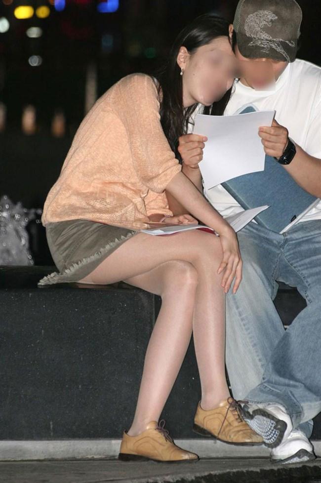 ミニスカ美脚を晒したパンチラ女子に足コキされたい願望は異常www0003shikogin