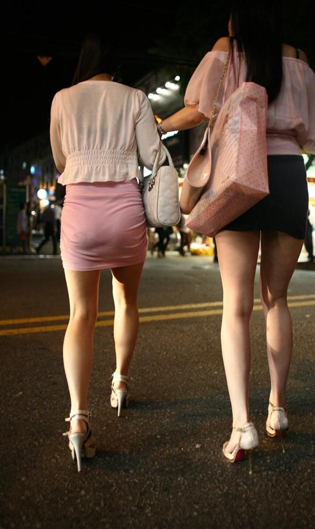 ミニスカ美脚を晒したパンチラ女子に足コキされたい願望は異常www0008shikogin