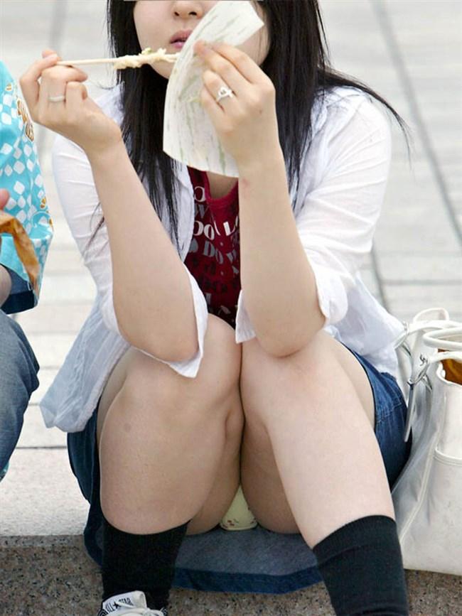 無防備なぷっくりクロッチを晒したパンチラ女の子wwwwww0001shikogin
