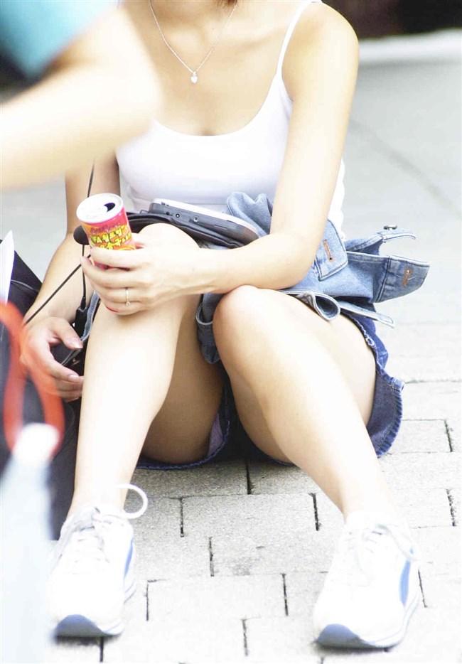 無防備なぷっくりクロッチを晒したパンチラ女の子wwwwww0010shikogin