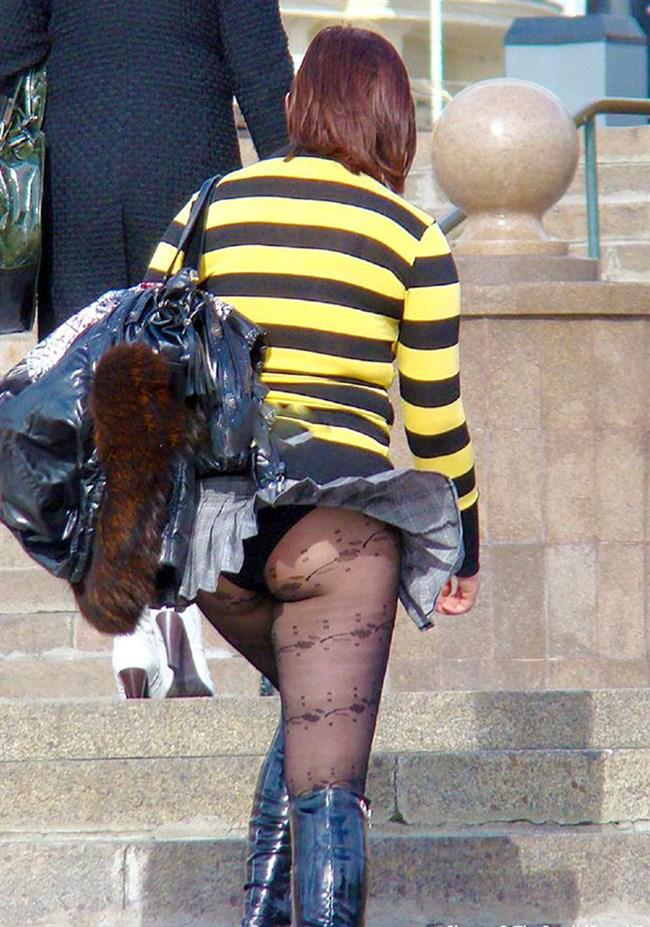 スカートをふわりと持ち上げばっちりお姉さんのパンツが見えた瞬間wwww0003shikogin