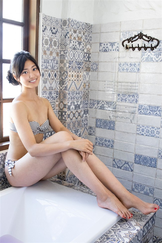 尾花貴絵~モデル兼グラドルの完璧娘が水着姿で挑発的な映像作品を発売!0010shikogin