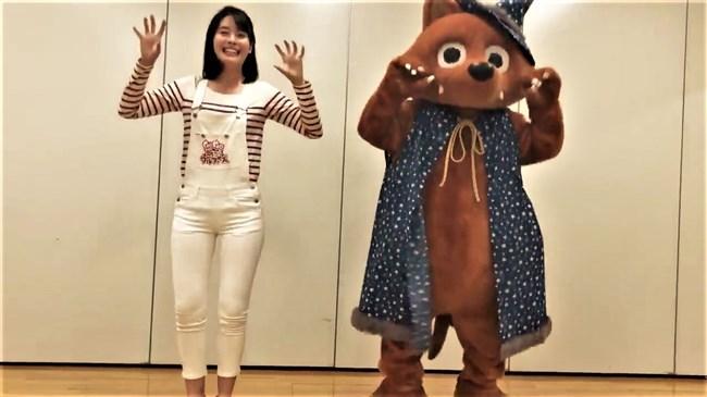 望木聡子~ウルフィダンスで白のピタパン姿がモリマンでスジっててエロ過ぎ!0004shikogin