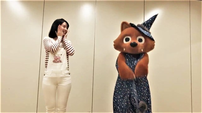 望木聡子~ウルフィダンスで白のピタパン姿がモリマンでスジっててエロ過ぎ!0022shikogin