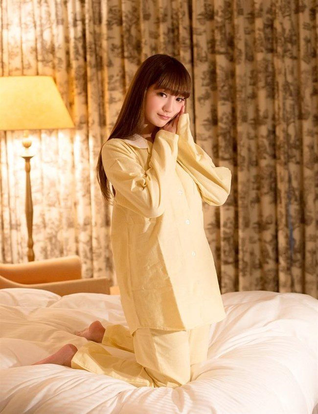 襲いかかりたくなる可愛らしいパジャマ姿の女の子wwww0009shikogin