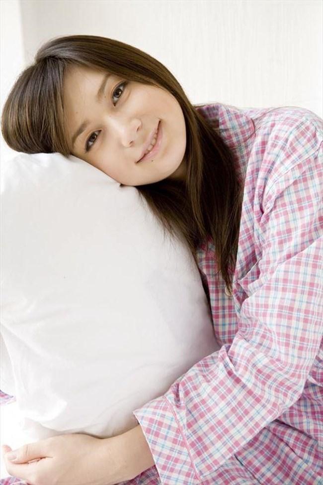 襲いかかりたくなる可愛らしいパジャマ姿の女の子wwww0003shikogin