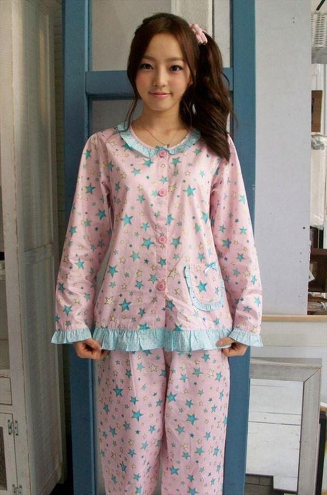 襲いかかりたくなる可愛らしいパジャマ姿の女の子wwww0004shikogin