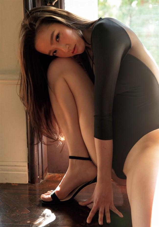 太田麻美~週プレの最新水着グラビアがエロボディー過ぎて最高にムラムラ!0002shikogin