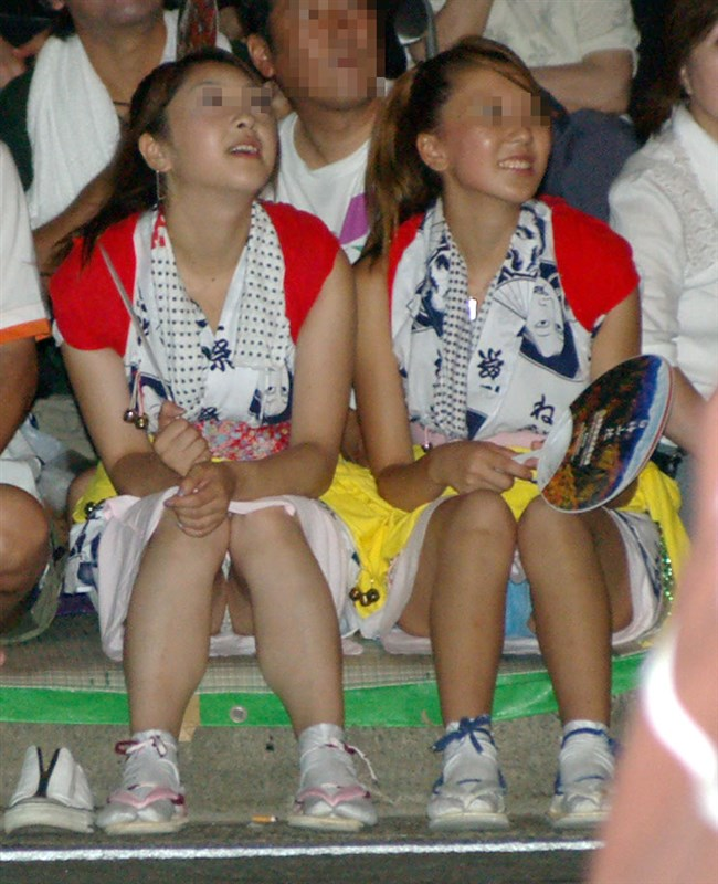 浴衣女子が体育座りすると高確率でパンチラする法則www0005shikogin