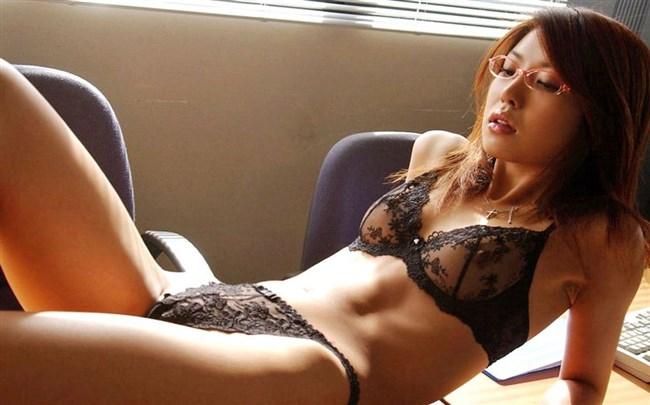 こういう透け方がかえって興奮させるエロ画像wwww0010shikogin