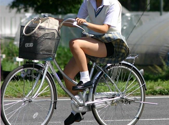 決して生足にムラムラしてはいけないJKが自転車乗る姿www0013shikogin