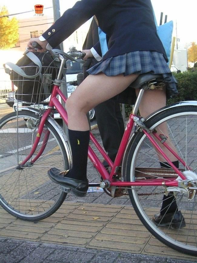 決して生足にムラムラしてはいけないJKが自転車乗る姿www0017shikogin