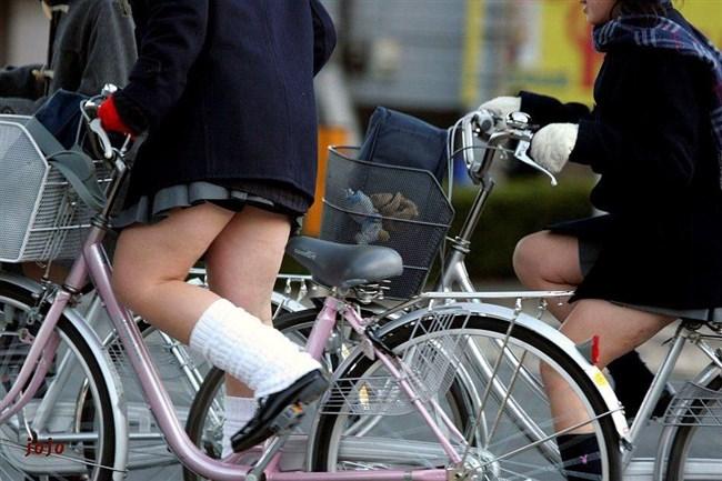 決して生足にムラムラしてはいけないJKが自転車乗る姿www0019shikogin