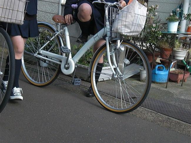 決して生足にムラムラしてはいけないJKが自転車乗る姿www0020shikogin