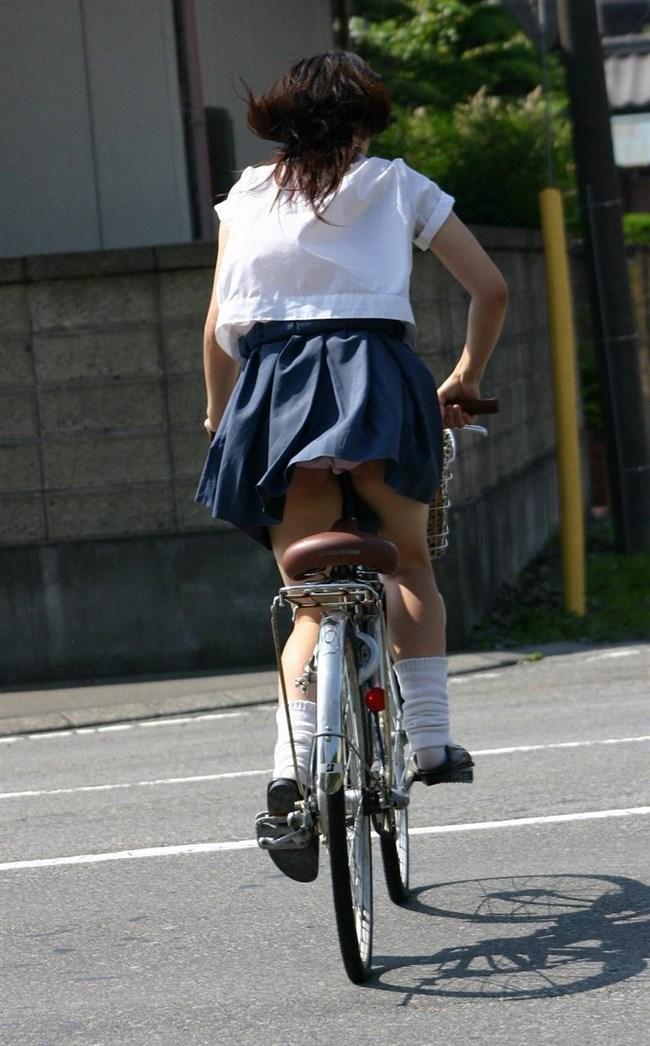 決して生足にムラムラしてはいけないJKが自転車乗る姿www0021shikogin