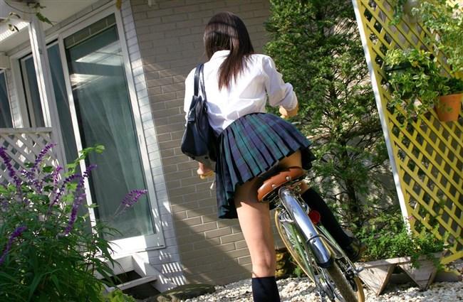 決して生足にムラムラしてはいけないJKが自転車乗る姿www0023shikogin