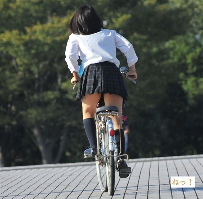 決して生足にムラムラしてはいけないJKが自転車乗る姿www0010shikogin