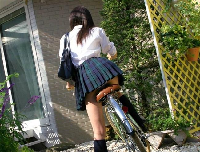 決して生足にムラムラしてはいけないJKが自転車乗る姿www0011shikogin