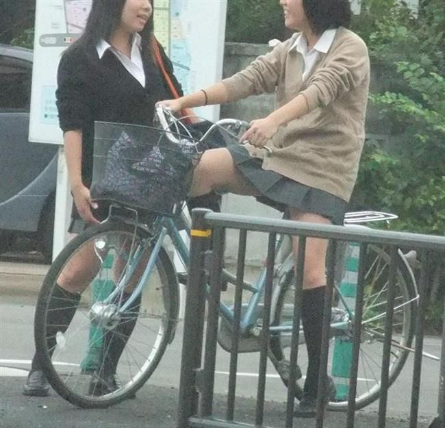 決して生足にムラムラしてはいけないJKが自転車乗る姿www0012shikogin