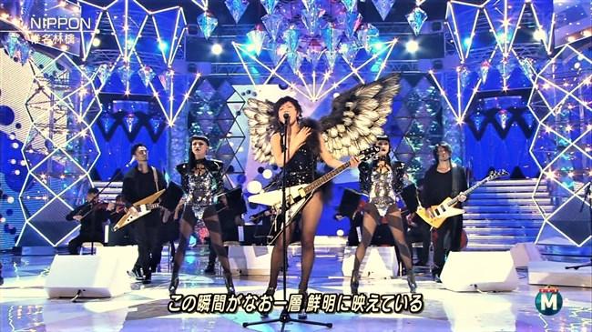 椎名林檎~胸元が空いたステージ衣装での乳首ポロリや胸チラなどエロ多数!0012shikogin