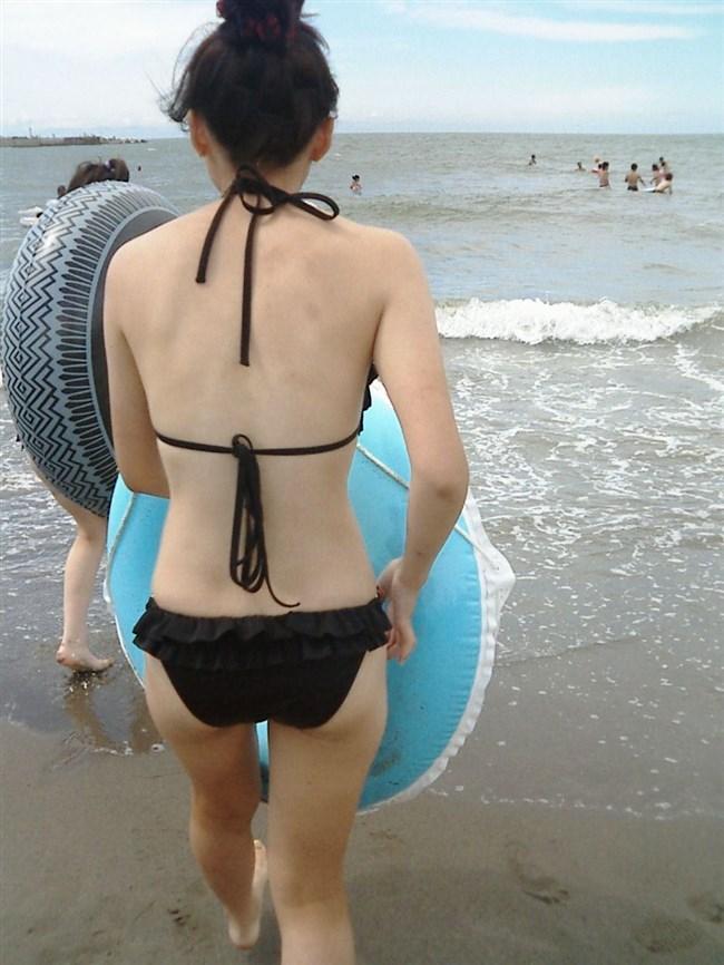 夏のビーチで凝視したくても出来ないビキニギャルがこちらwww0005shikogin