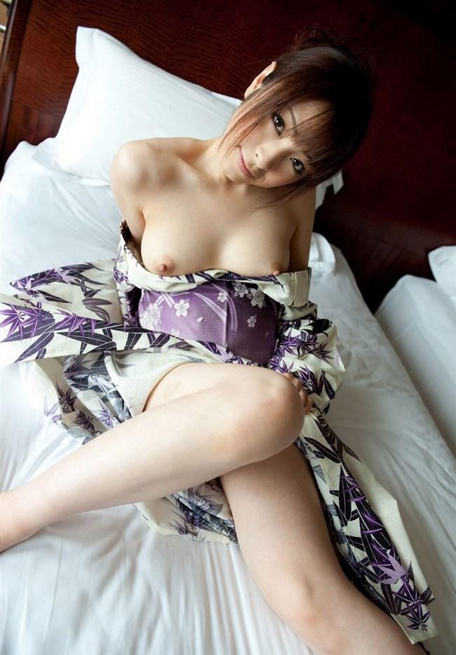 着物や浴衣姿をはだけさせると欲情MAXになる法則wwwww0008shikogin